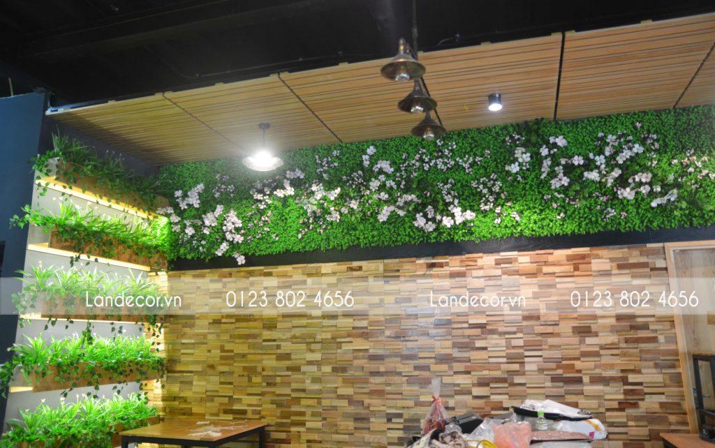 Công trình tường hoa cỏ, hộp cây tại Max Beer Phó Đức Chính